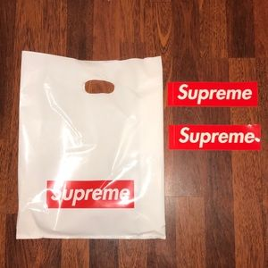 Supreme Bag & two Stickers